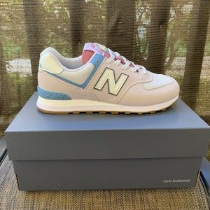 New Balance 574 V2 Essential sneakers - Size 9